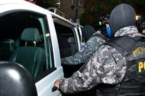 Răzbunare ţigănească: 19 persoane reţinute pentru un scandal în Velenţa!