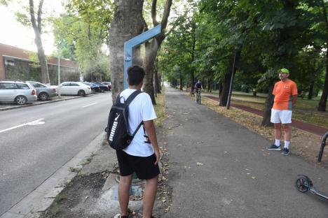 Duş în parc: Cum se pot răcori orădenii care aleargă în Parcul Brătianu (FOTO)
