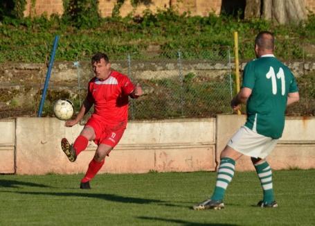 "Meciul dintre ""veteranii"" FC Bihor şi Ferencvaros Budapesta, încheiat la egalitate (FOTO)"