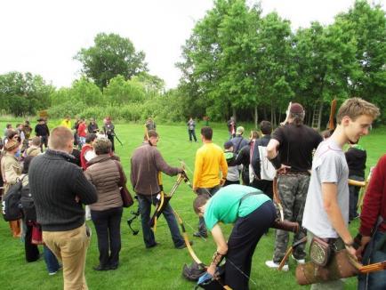 Întreceri reuşite la Campionatul Judeţean de tir cu arcul, ţinut pe un teren de... golf (FOTO)