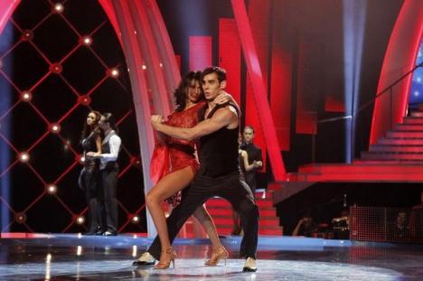"""Inimă de ţigan: Attila Hainer a obţinut locul II la """"Dansez pentru tine"""" şi vrea să extindă casa familiei (FOTO)"""