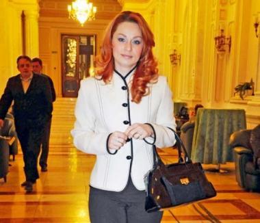 Sexy-parlamentarele: Cum arată noile dive din Parlament (FOTO)
