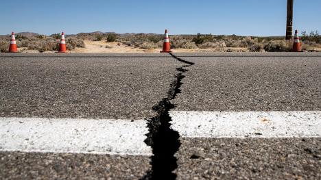 Cutremur cu magnitudinea de 7,1 în California. Este al doilea seism puternic din ultimele 24 de ore (VIDEO)