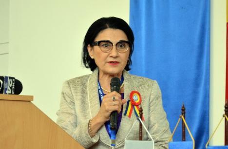 Ministrul Educaţiei, Ecaterina Andronescu, vine la Oradea să se întâlnească cu studenţii din toată ţara