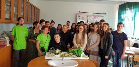 De vorbă cu natura: Ecotop i-a dus pe elevii bihoreni în ariile protejate din judeţ (FOTO)