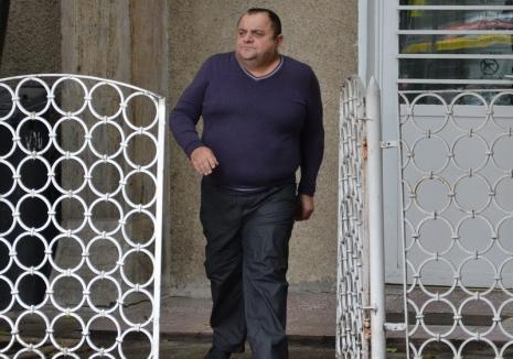 Constructorul Dorinel Edu, inculpat pentru că a spălat printr-o firmă fantomă peste 3,9 milioane lei. Poliţiştii i-au pus sechestru pe avere