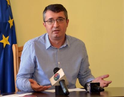 Taxa pe budă: Primăria vrea să-i supraimpoziteze cu 50% pe orădenii care refuză să se racordeze la reţelele de canalizare