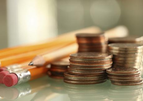 Be $mart: 750 de liceeni bihoreni vor face cursuri de educaţie financiară