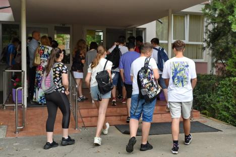 Rezultate finale la Evaluarea Naţională: 287 elevi din Bihor au note mai mari, după contestaţii