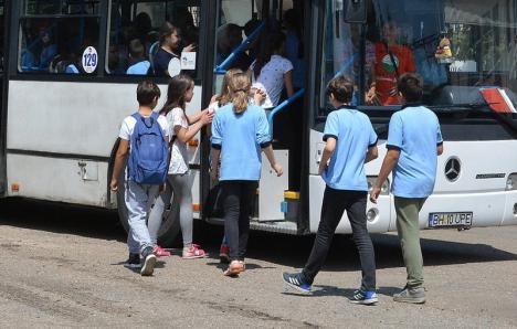 """""""Câte fete să mai moară?"""": Deputatul PNL Florica Cherecheş cere Guvernului soluţii pentru naveta elevilor"""