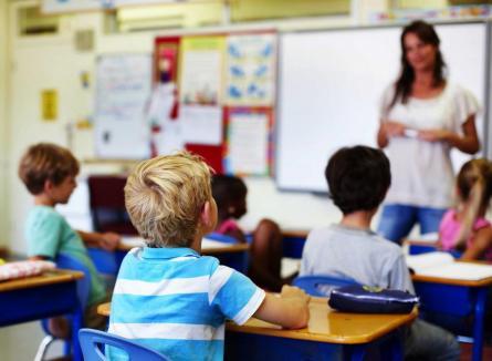 Educaţia sexuală în şcoli, subiect controversat. Senatul a respins-o, premierul Florin Cîţu spune că totuşi va fi introdusă în şcoli