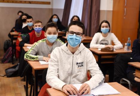 Toţi elevii din Oradea revin de LUNI la şcoală! Incidenţa Covid în oraş a scăzut sub 1 caz la mia de locuitori