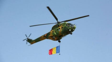 O dată într-un secol: Defilare aeriană cu elicoptere Puma şi avioane MIG Lancer la 100 de ani de la eliberarea Oradiei