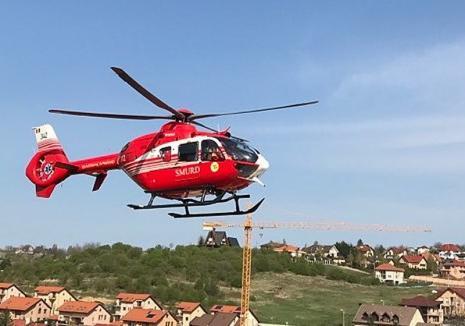 Accident grav lângă Băiţa: Un mopedist în comă profundă, preluat de elicopterul SMURD