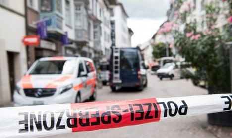 Atac cu drujba într-un oraş din Elveţia: Cinci persoane rănite