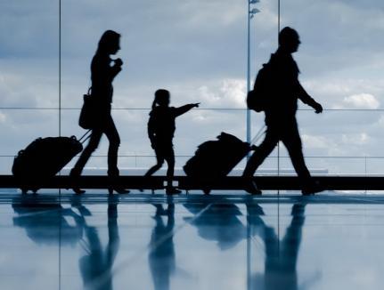 România se goleşte: Din 2007 până în 2017 au plecat din ţară 3,4 milioane de români