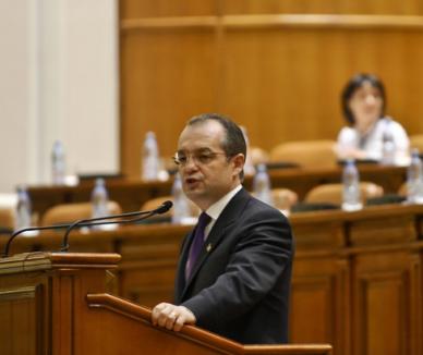 PSD Bihor vrea să strângă 100.000 de semnături pentru răsturnarea Guvernului Boc