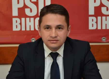 Emilian Pavel îi cere ministrului Educaţiei ore de programare pentru elevii de gimnaziu