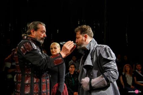 În Inima Nopţii - Episodul Macbeth, final de trilogie