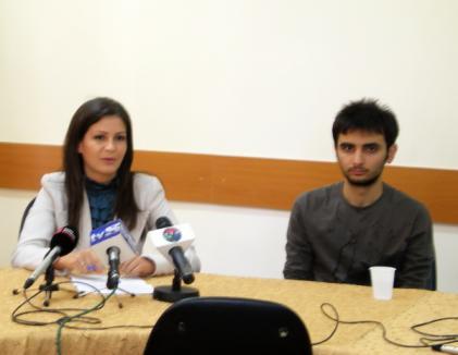 Studenţii Erasmus din Oradea îşi donează lucrurile