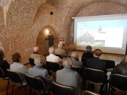 Ziua Eroilor a fost marcată cu felicitări şi diplome în Cetatea Oradea (FOTO)