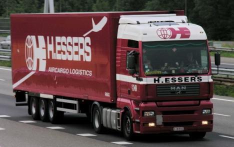 Contabilă a companiei de transporturi internaţionale H. Essers România, reţinută pentru delapidare