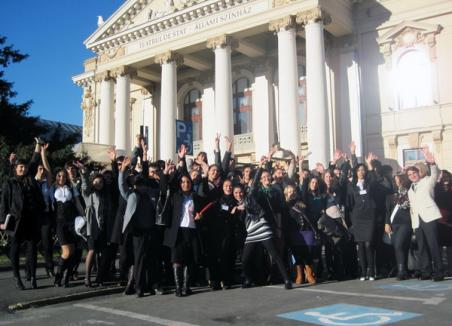 70 de tineri din ţări europene au jucat rolul parlamentarilor UE, în Bihor