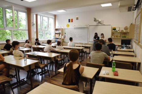 Evaluarea Naţională, primul examen. Probele au demarat fără incidente în Bihor (FOTO)