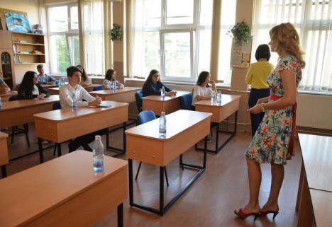 Sindicaliştii boicotează, simulările continuă: Toţi elevii de clasa a VIII-a din Bihor susţin primul examen
