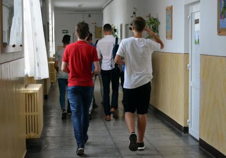 Cel mai slab punctaj din ultimii 9 ani pentru România, la testele PISA. Aproape 44% dintre elevii testaţi sunt analfabeţi funcţionali