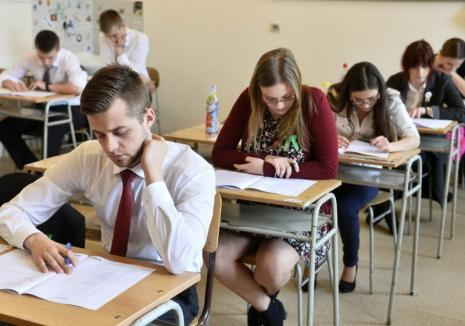 Liceenii din Ungaria sunt în febra examenelor de Bacalaureat: 48 de elevi români au dat examen din cariera Mariei Ciobanu