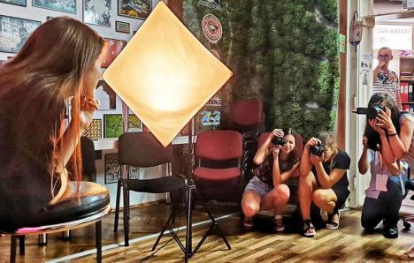 'I don't trust words. I trust pictures': cursanții fotografului Ovi D. Pop își vor expune lucrările