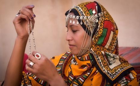 Expoziție dedicată femeii: peste 100 de fotografii realizate de artiste din Egipt, India, Singapore sau Arabia Saudită, expuse la Oradea (FOTO)