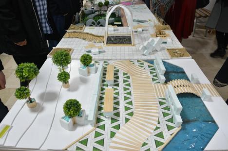 Colţ al imaginaţiei: Viitorii designeri orădeni și-au expus munca în holul Bibliotecii Universității (FOTO)