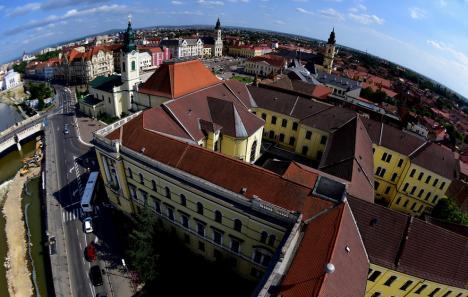 Oradea fermecătoare: De Ziua Orașului, 12 fotografi expun imagini ce surprind frumusețea acestuia, în Turnul Primăriei (FOTO)