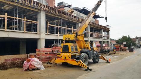 Primăria expropriază un ABC şi un teren pentru lărgirea drumului de acces la noua clădire UPU (FOTO / VIDEO)