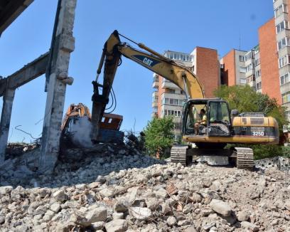 Primăriile vor putea face exproprieri de urgenţă şi proiecte de regenerare urbană