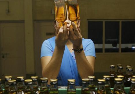 """Şase """"alcoolişti"""" trimişi în judecată pentru un """"tun"""" de 2,7 milioane de euro"""