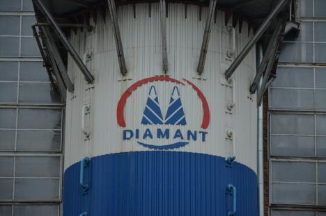 Duşi cu zăhărelul: Închiderea fabricii de zahăr din Oradea, politizată la maxim (FOTO)