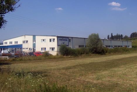 Concedieri în masă, la fabrica de încălţăminte Melania din Aleşd: 330 de oameni vor fi daţi afară