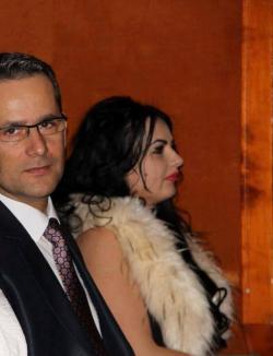 Sexy (sau nu) inspectoarea: Iubita fratelui prefectului de Arad a fost numită inspector şcolar (FOTO)
