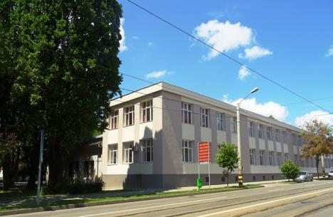 Şcoală înnoită: Faţada Liceului Ortodox a fost restaurată (FOTO)
