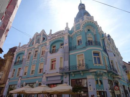 În sfârşit! Constructorul şi-a dat jos schelele de pe Palatul Moskovits Miksa (FOTO)