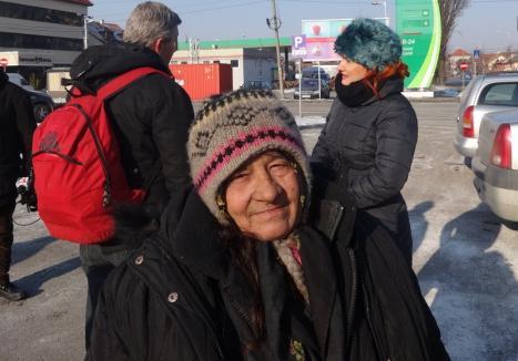 Măsuri de urgenţă: Oamenii străzii rămân şi ziua la căldură, în adăpostul din strada Gutenberg