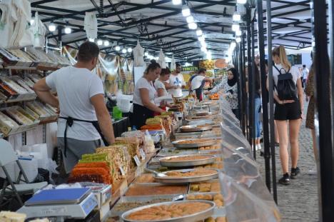 Festival mediteranean, la Cetate: Delicii turcești, gogoși grecești, raci, homari și creveți (FOTO)