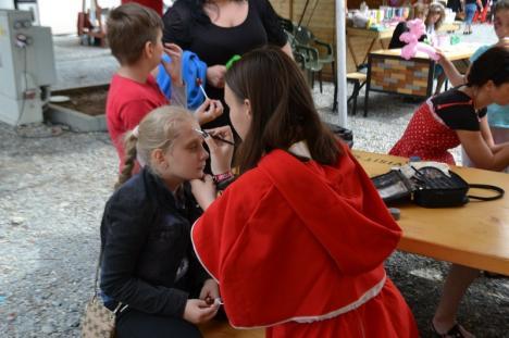 Ploaie de dulciuri și zâmbete, în prima zi a Festivalului Copiilor. Află programul de sâmbătă şi duminică (FOTO)
