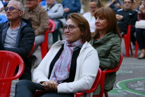 Un artist din Oradea s-a retras din muzică pe scena Festivalul de Folk din Parcul Bălcescu (FOTO / VIDEO)