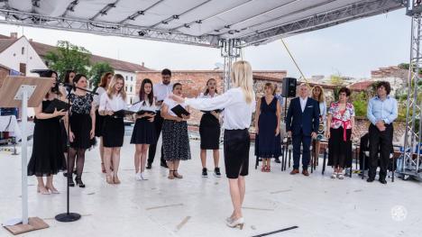 Constructorii de mâine: Absolvenţii Facultăţii de Construcţii, Cadastru şi Arhitectură din Oradea au primit undă verde pe şantiere (FOTO)