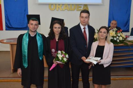 Absolvenţii de la Istorie, Relaţii internaţionale și Științele Comunicării, 'lansaţi' în lume: 'Diploma nu mai ajunge' (FOTO)