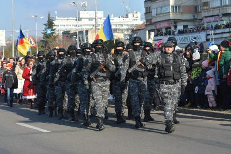 Centenarul în Oradea. Imagini spectaculoase de la Festivităţile de Ziua Naţională (FOTO)